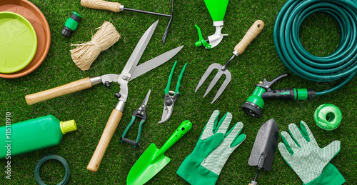 Photo sur Aluminium Jardin Gardening tools