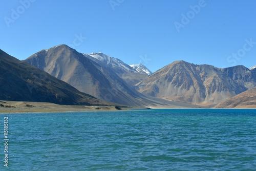 Foto op Plexiglas Blauw Pangong See in Ladakh, Indien