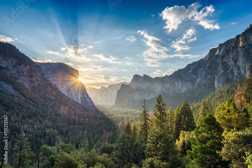 Sunrise at the tunnel View vista point at Yosemite National Park Poster