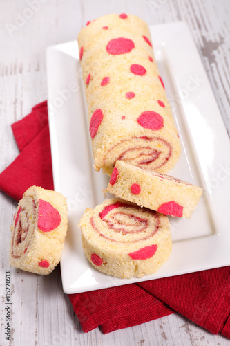 fototapeta na drzwi i meble sweet roll cake