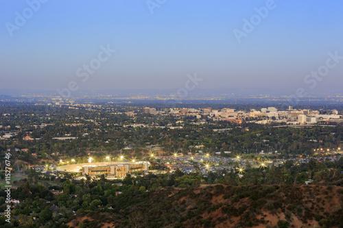 Plakat Piękny Pasadena City Hall i Pasadena śródmieścia widok
