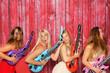 canvas print picture - Party mit Fotobox - Mädchen posen mit Gitarren vor Photobooth