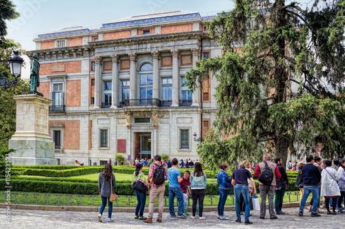 Anstehen vor Museo del Prado