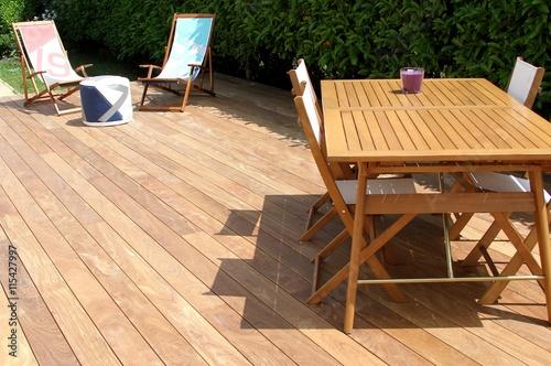 terrasse en bois exotique et salon de jardin - Buy this stock photo ...