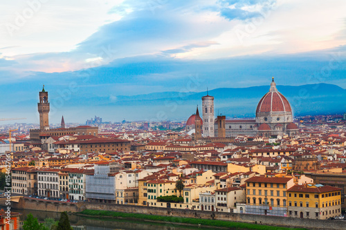 Photo Stands Florence cityscape of Florence old town from above at sunrise, Italy