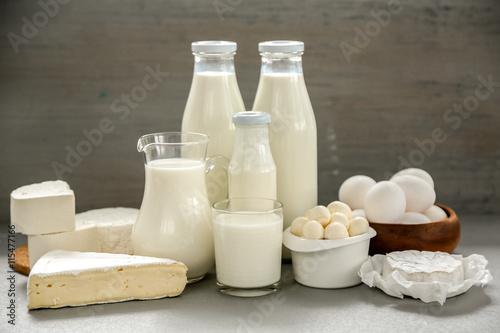 Poster de jardin Produit laitier Dairy products on kitchen table