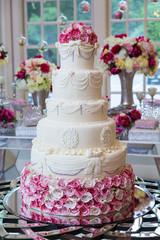 FototapetaDelicious wedding cake.