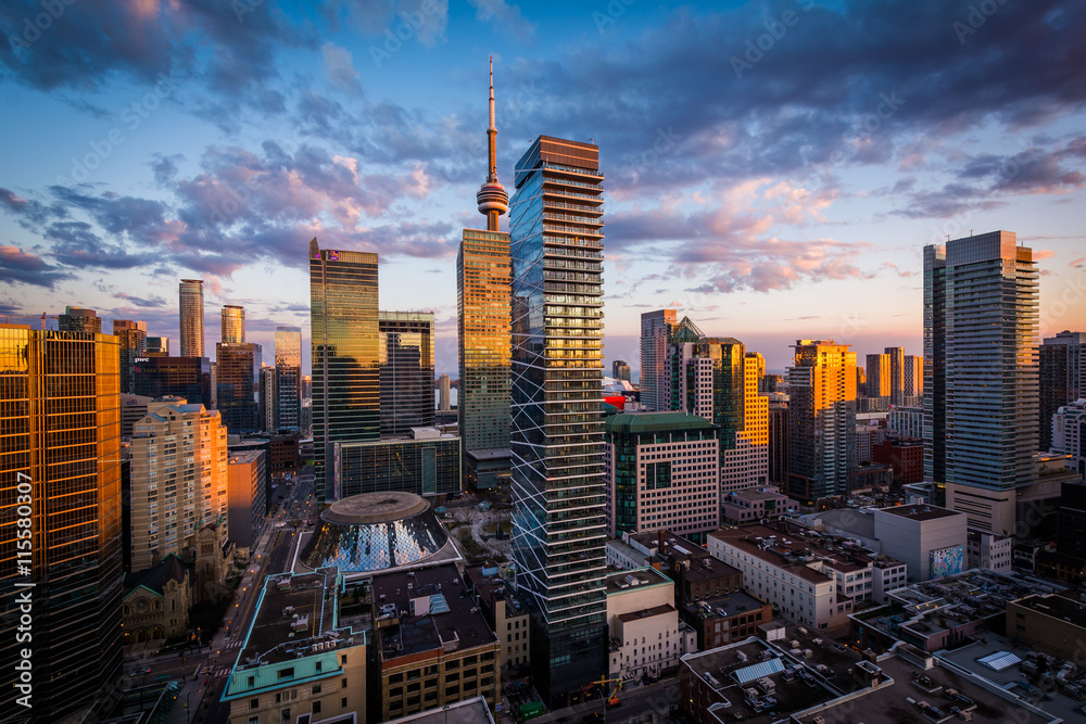 Fototapety, obrazy: View of modern buildings at sunset in downtown Toronto, Ontario.
