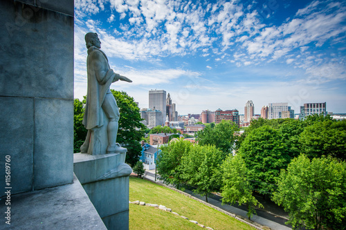 The Roger Williams Monument and view of the Providence Skyline f Wallpaper Mural