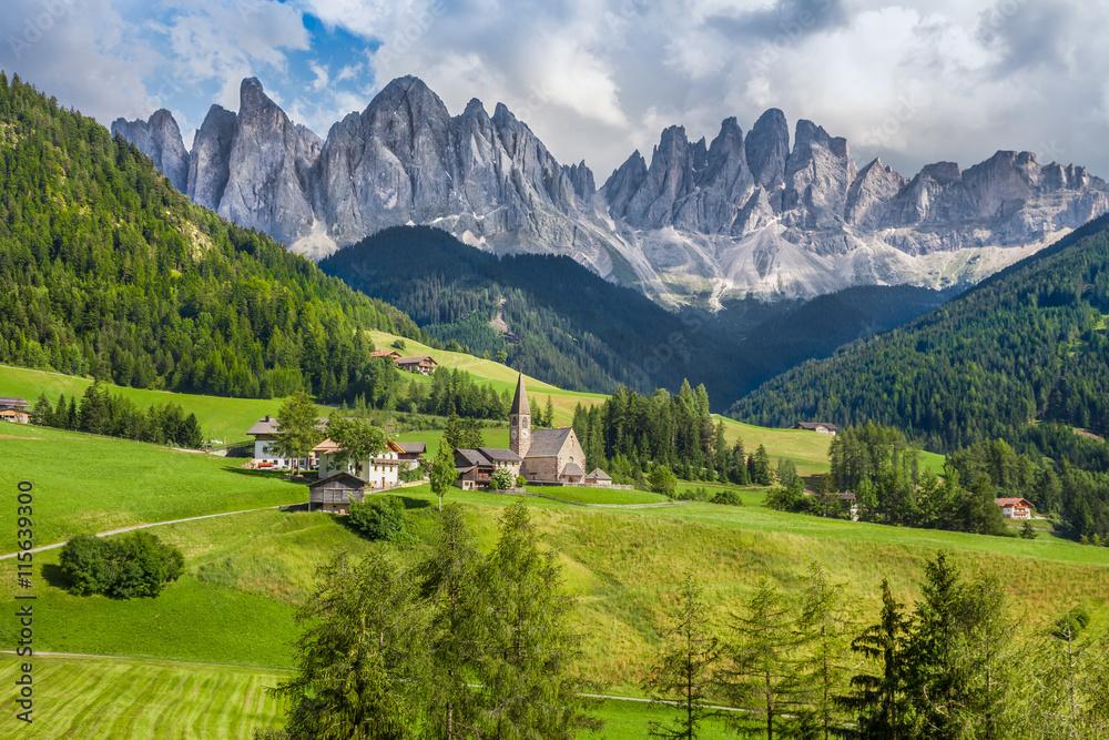 Fototapety, obrazy: Val di Funes, South Tyrol, Italy