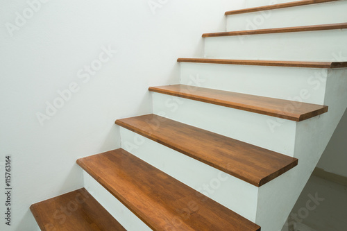 Fotografia wooden stairs in home