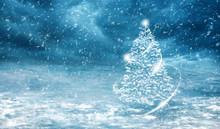 Eingeschneiter Weihnachtsbaum