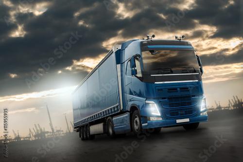 fototapeta na lodówkę LKW im Container Terminal