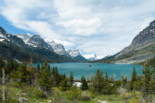 Valokuva  St. Mary Lake scenic view