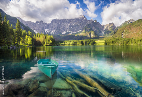 Papiers peints Alpes mountain lake in the Italian Alps