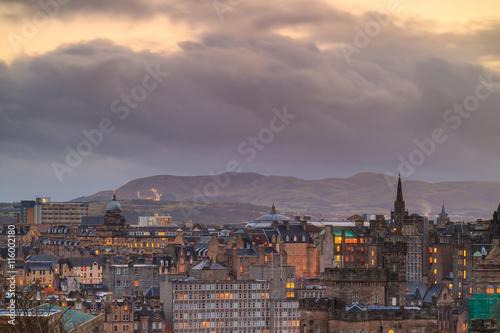 Papiers peints Barcelona Old town Edinburgh and Edinburgh castle