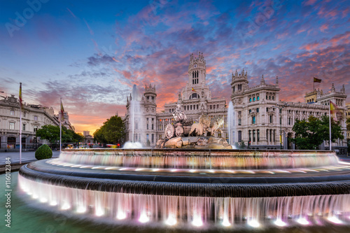 Photo sur Toile Fontaine Madrid Spain Fountain and Palace