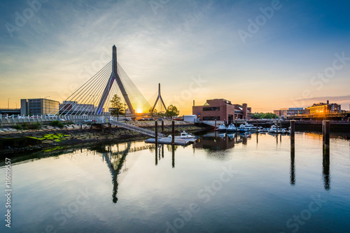 Photo  The Leonard P. Zakim Bunker Hill Bridge at sunset, in Boston, Ma