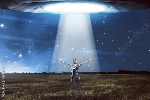 Türaufkleber UFO Woman in latex costume going to space with flying saucer