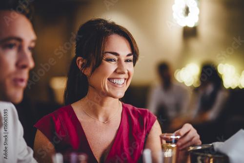 Photo  Woman in a Bar