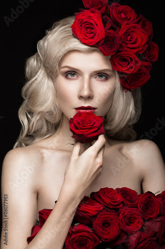 Fotografie, Obraz  Beautiful blond girl in dress and hat with roses, classic makeup, curls, red lips