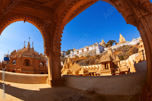 Photo Jain temple complex on top of Shatrunjaya hill