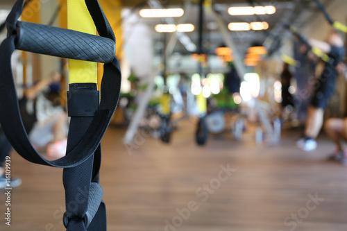 Fotografie, Obraz  TRX Training in einem Fitnessstudio