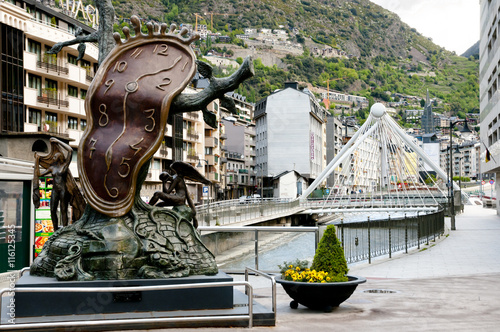 Stickers pour porte Commemoratif Nobility of Time Statue - Andorra