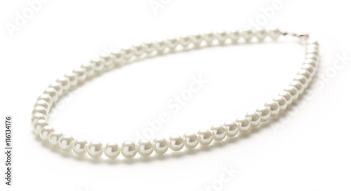 Stampa su Tela White pearl necklace of one string