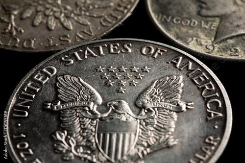 Fotografia  United States silver dollars with eagle