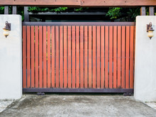 Modern Wooden Door Gate Backgr...