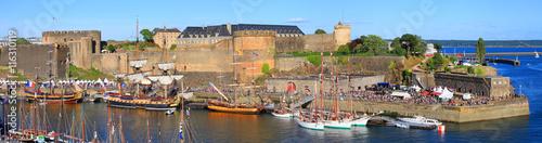 Fotografie, Obraz  Port et château de Brest, Bretagne