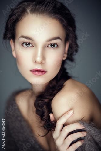 Fotografia, Obraz  Beauty portrait of brunette with fur cape on shoulders