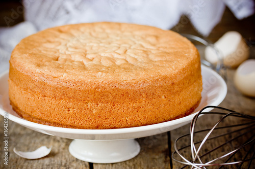 Photo Oven fresh sponge cake. Chiffon biscuit for cake
