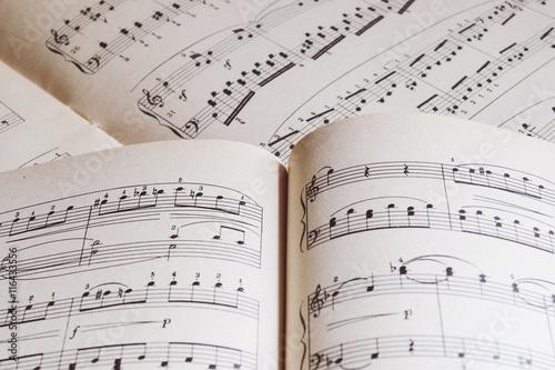 piano sheet music adobe stock でこのストック画像を購入して 類似の
