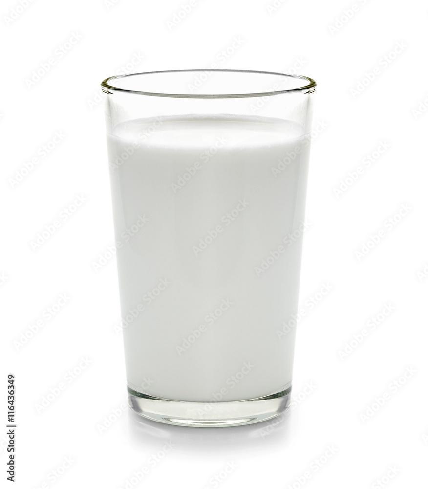Fototapety, obrazy: fresh milk in the glass on white background