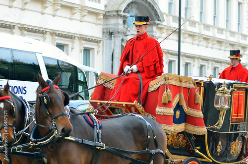 Fotografía Changing of the guard in Buckingham Palace...