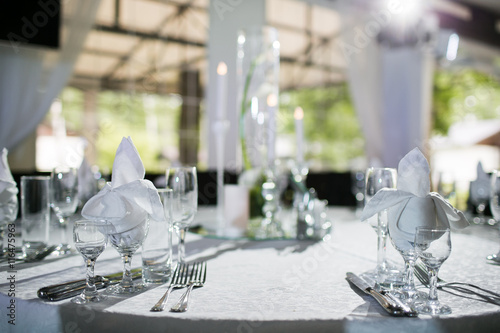 Fotomural Beautifully organized event - served banquet tables ready for guests