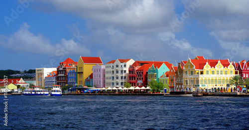 Spoed Foto op Canvas Caraïben Willemsted Curacao Bright Buildings