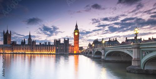Fotografie, Obraz  Big Ben a Houses of Parliament v noci v Londýně, UK