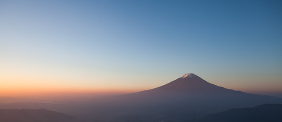Fototapeta Do sushi baru Top of mountain Fuji and sunrise sky in autumn season