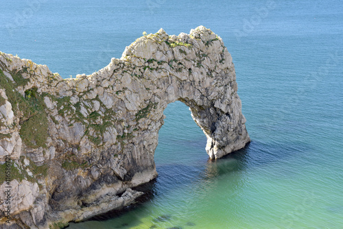 Photo  Durdle Door natural arch on Dorset coast