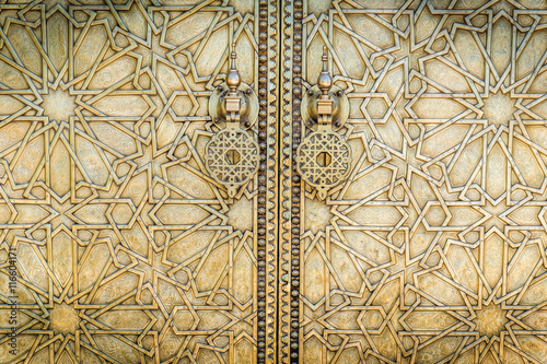 Foto op Plexiglas Marokko The gate to the old Royal Palace in Fez (Fes), Morocco