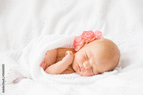 Photo  Newborn baby