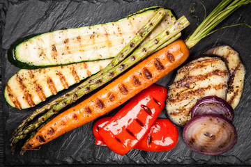 Panel Szklany Podświetlane Grill Assortment of grilled vegetables