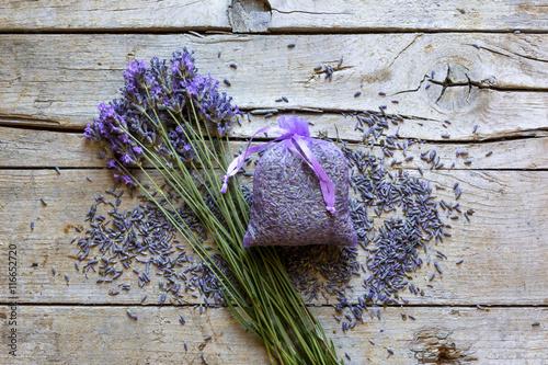 Foto op Plexiglas Lavendel Lavande, Lavandin et Produits de soins