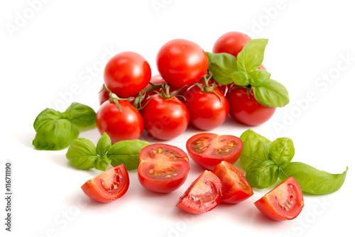 Canvas Prints Fresh vegetables Tomaten und Basilikum