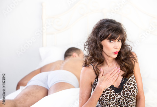 Tuinposter Puma Mature Cougar Proud of Sexual Conquest
