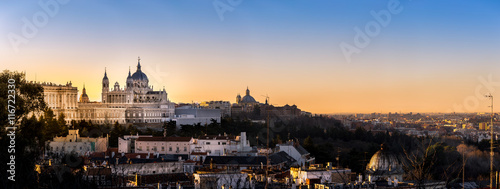 Poster Madrid Madrid,Spain skyline and Almudena Cathedral at sunrise