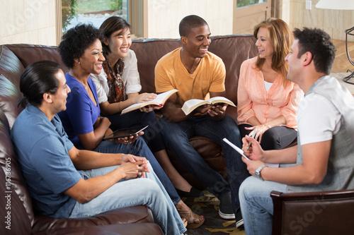 Valokuvatapetti Small group. Bible Study